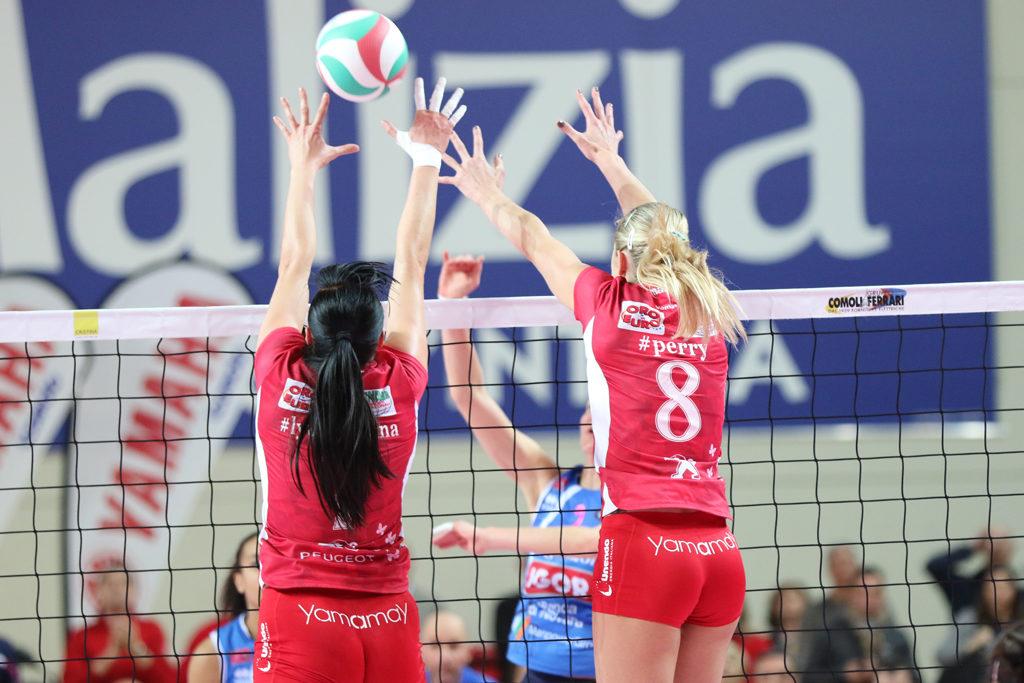 Fotografia sportiva. Volley femminile. Foto di Luca Finessi.
