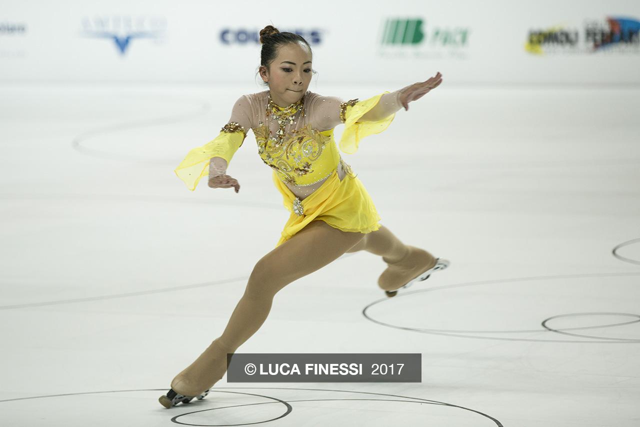 Fotografia sportiva. Una pattinatrice al Campionato Mondiale di Pattinaggio Novara 2016. Foto di Luca Finessi.