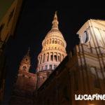 Foto notturna della cupola di San Gaudenzio, simbolo di Novara. Foto di Luca Finessi.